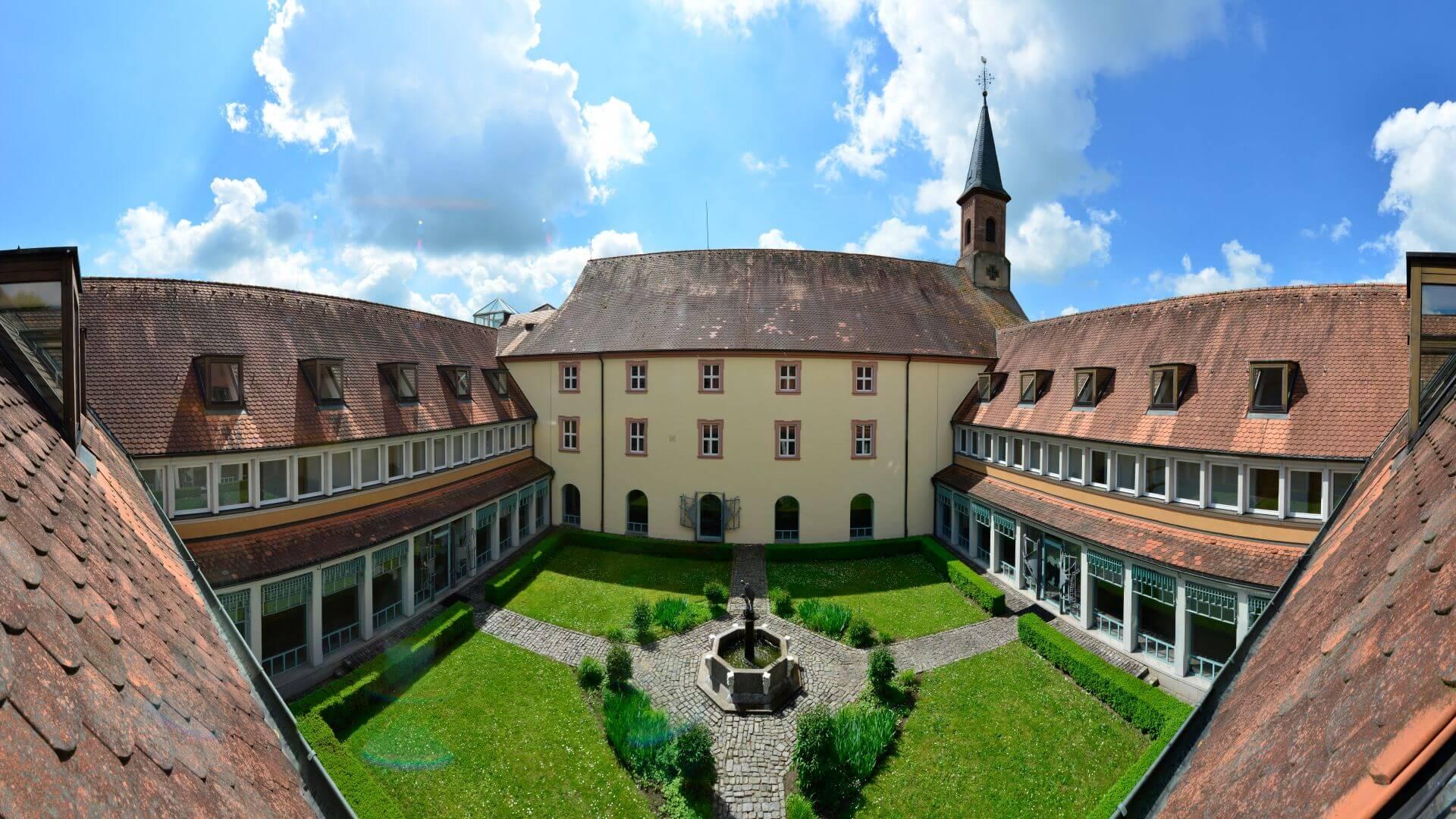 Innenhof Hotel bei Aschaffenburg