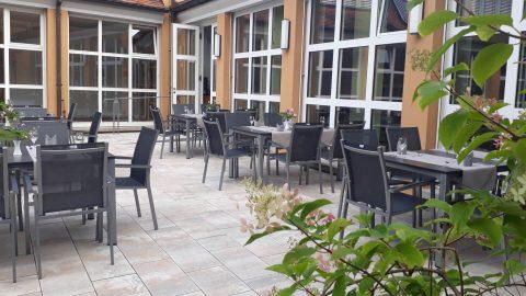 restaurant-terrasse konzentrationspause