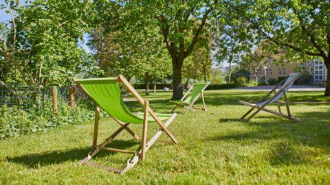 Kirchliches Tagungszentrum Natur Liegestühle Schmerlenbach